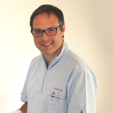 Dr. Ayuso